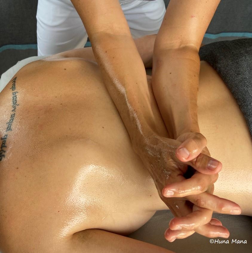 Massage hawaien lomi lomi